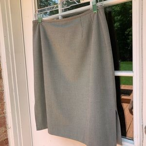 Dresses & Skirts - Grey/white herringbone pattern skirt.